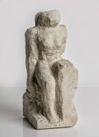 Sitzende - Steinguss-Skulptur